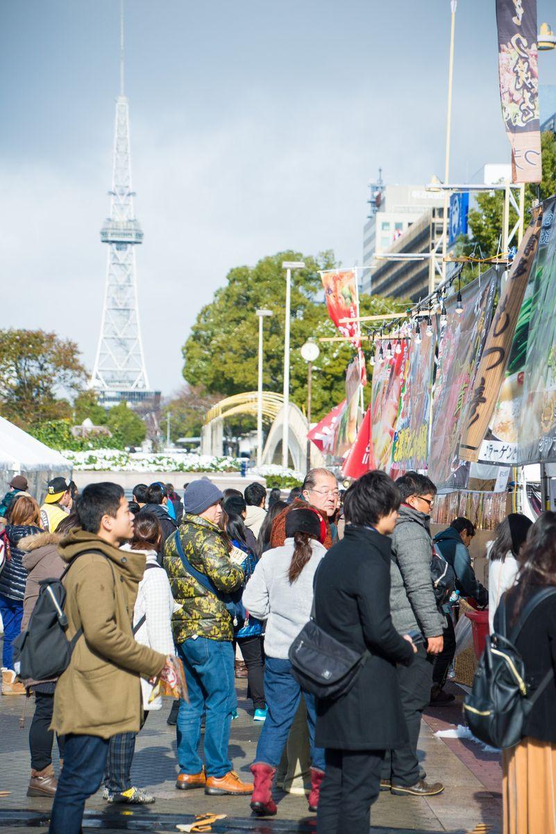 久屋大通公園で開催される「ご当地鍋フェスティバル」。写真は昨年の会場の様子
