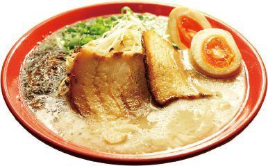 丸栄で「大鹿児島展」。写真は「麺屋剛」の「剛麺」