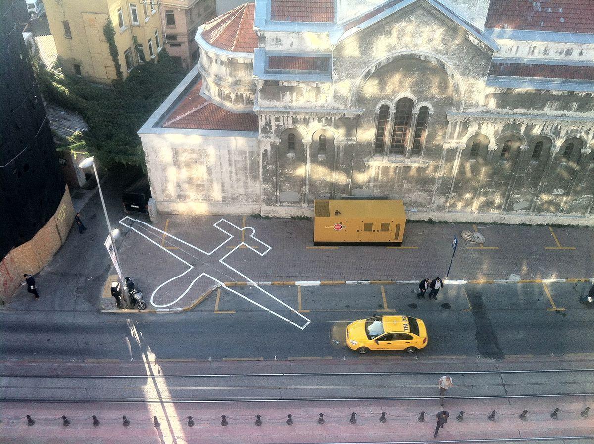 「あいちトリエンナーレ2019」の参加アーティスト第1弾発表。写真はジェームズ・ブライドルさんの作品 《ドローン・シャドー002》2012、イスタンブール(トルコ)