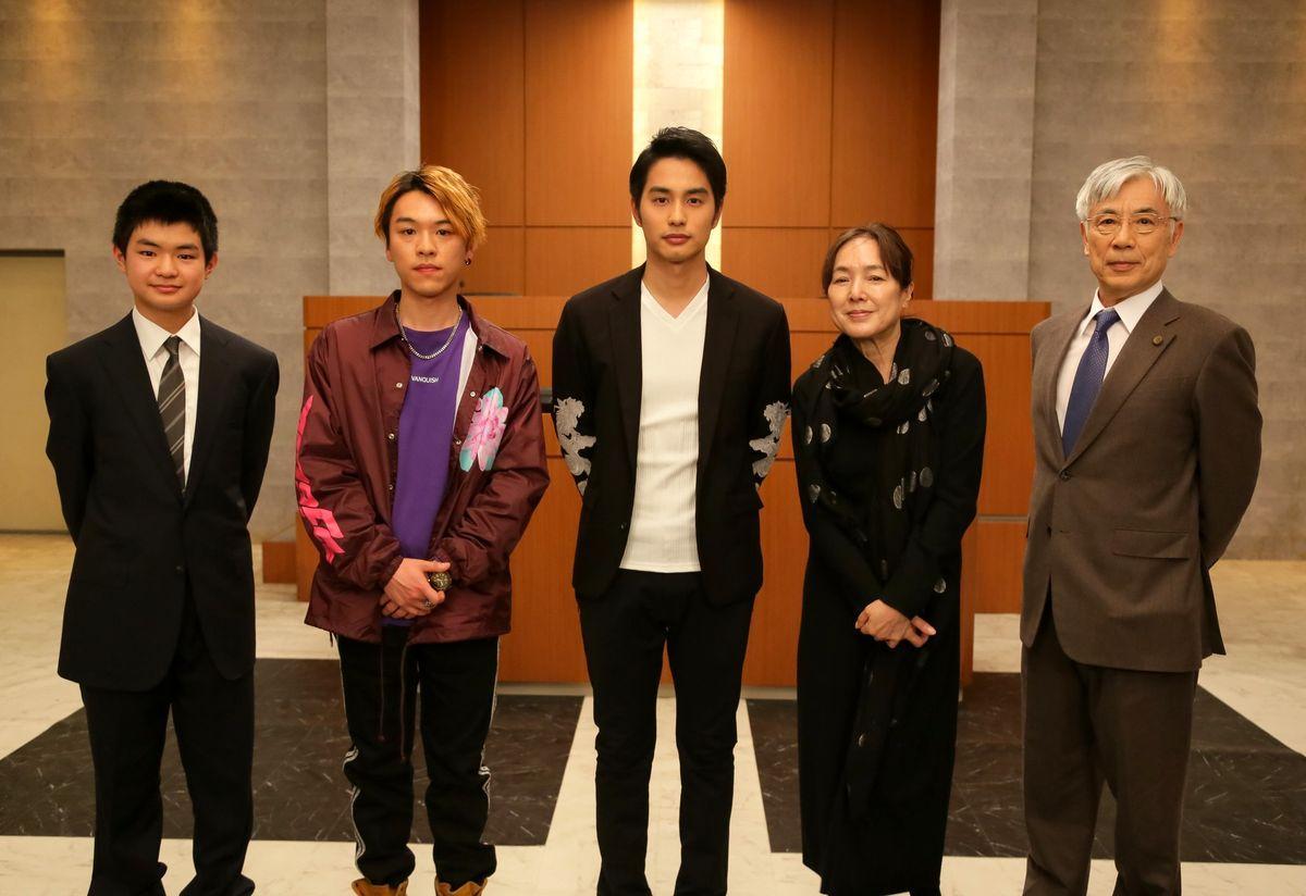 (左から)渡邉蒼さん、長村航希さん、中村蒼さん、桃井かおりさん、イッセー尾形さん