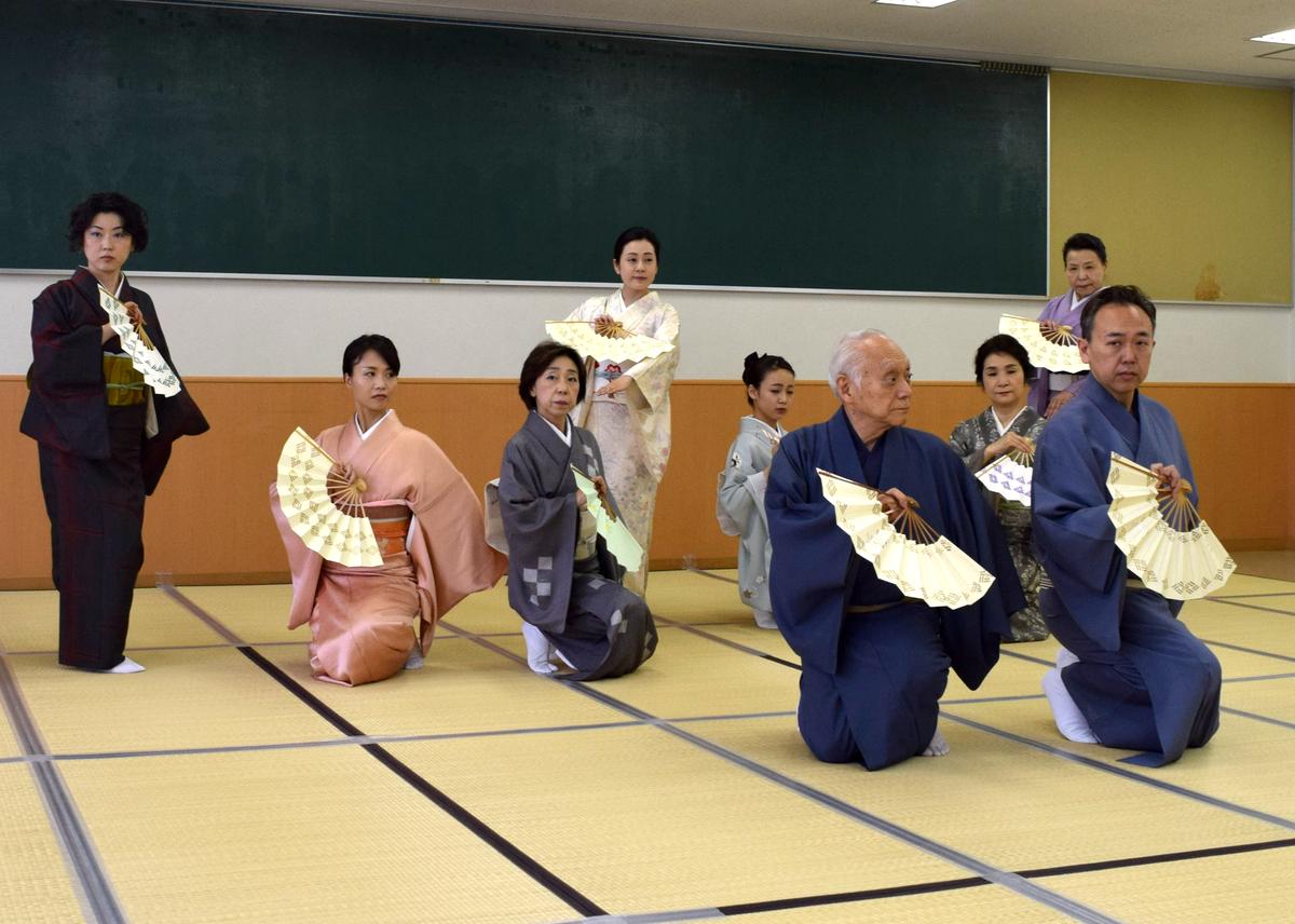 西川流が「名古屋をどり」稽古始め 右近総師の80歳祝いも - サカエ経済新聞
