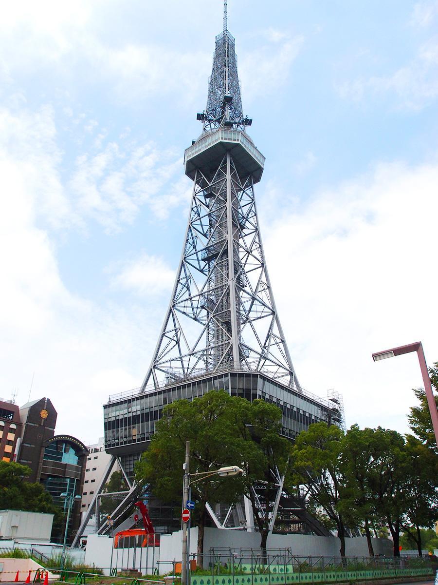 免震工事を主体とした全体改修工事が進む現在の名古屋テレビ塔
