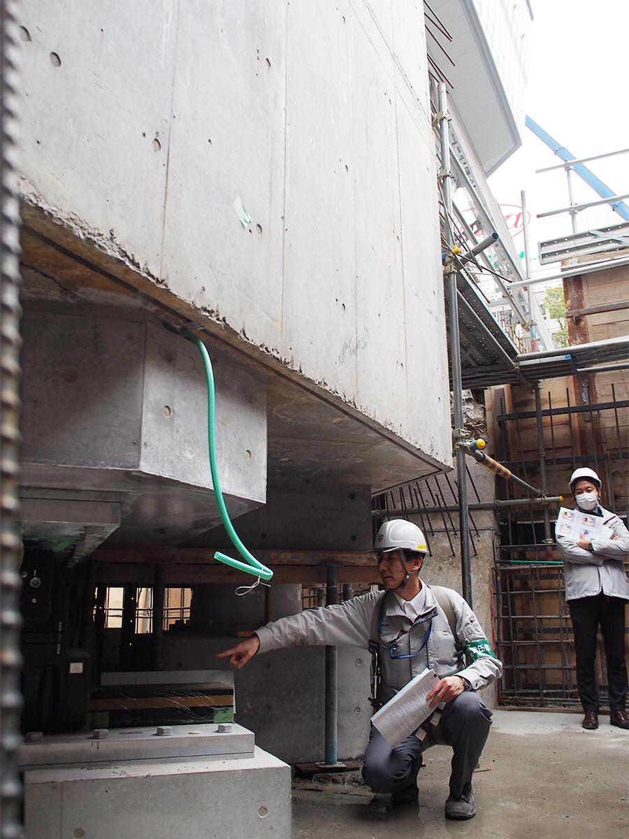 免震装置の設置が完了した名古屋テレビ塔の脚元(地下)部分。今後、この部分には上からふたをするため見ることができなくなる