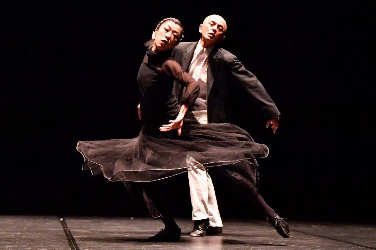愛知県芸術劇場で勅使川原三郎芸術監督の就任記念シリーズ。第1弾は「白痴」を上演
