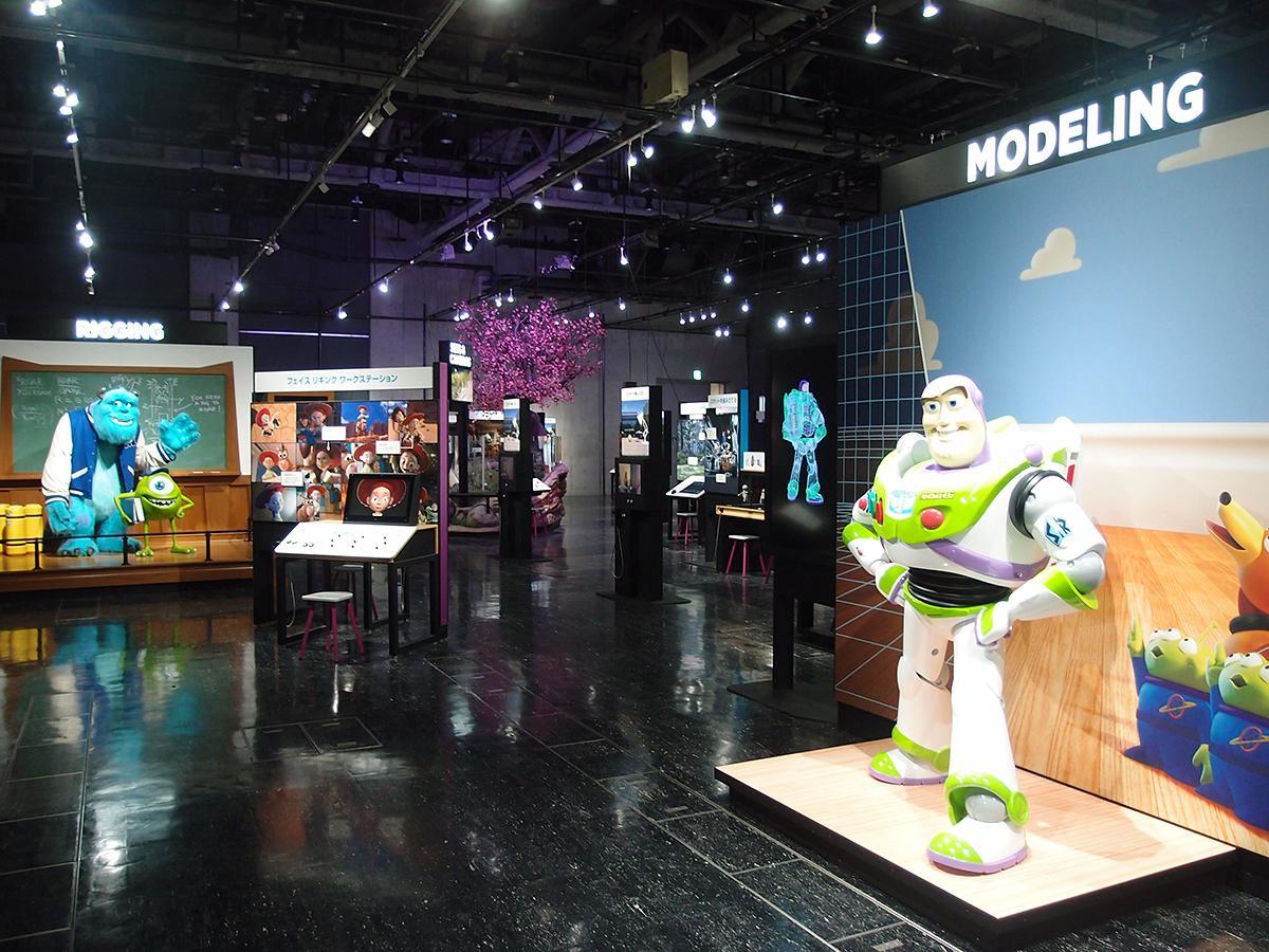 名古屋市科学館で始まった「PIXARのひみつ展 いのちを生みだすサイエンス」。「バズ・ライトイヤー」「サリー」「マイク」などの模型はフォトスポットとしても人気