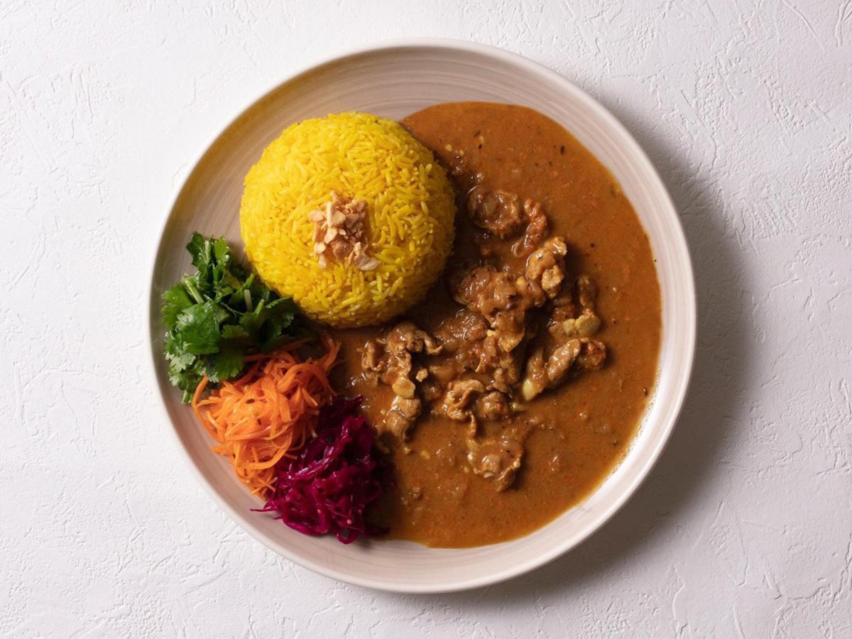 4月28日にオープンするスパイス料理・カレーを提供する「ザ・スパイス」の「誘惑のポークカレー」(イメージ、画像提供=ラシック)