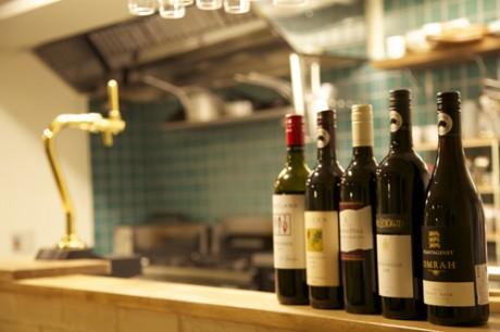 11種類のオーストラリアワインを用意する