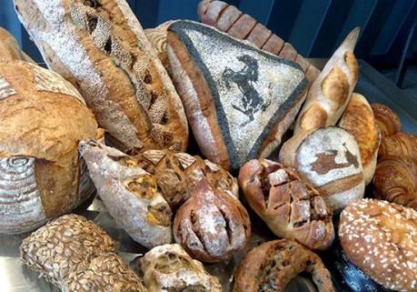 今回初出店となる用賀「Gian Franco(ジャン フランコ)」のパン