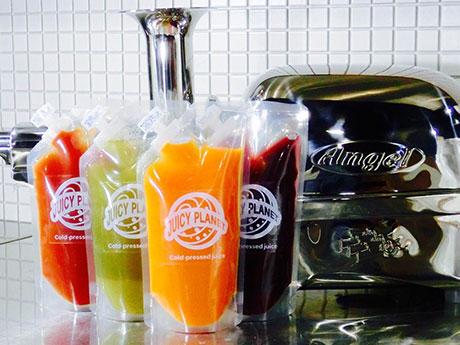 「コールドプレス」製法を用いた各種ジュースを販売