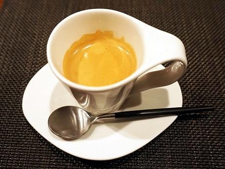 「Blackhole Coffee Roaster」の「ケニアAA」を使ったエスプレッソ