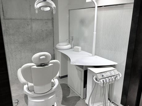 三軒茶屋デンタルデザイン歯列矯正歯科の個室診療室