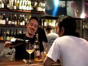 三軒茶屋のスペイン料理店が1周年  他店の兄弟と助け合い