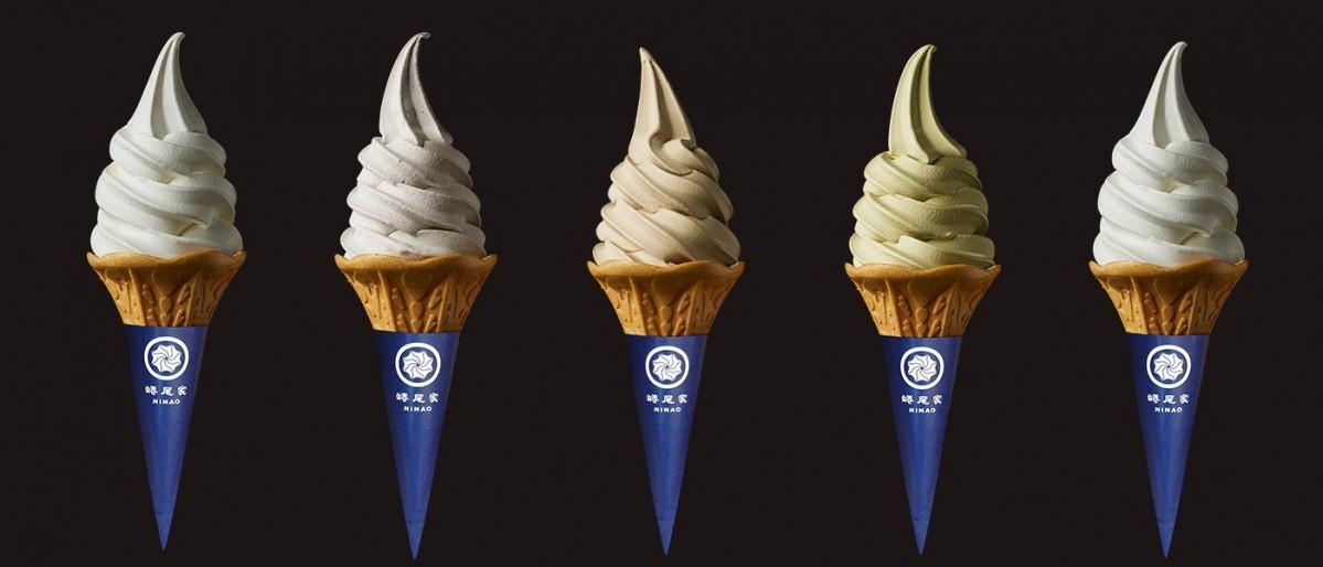 約110種類あるソフトクリームから2種類を週替わりで提供する