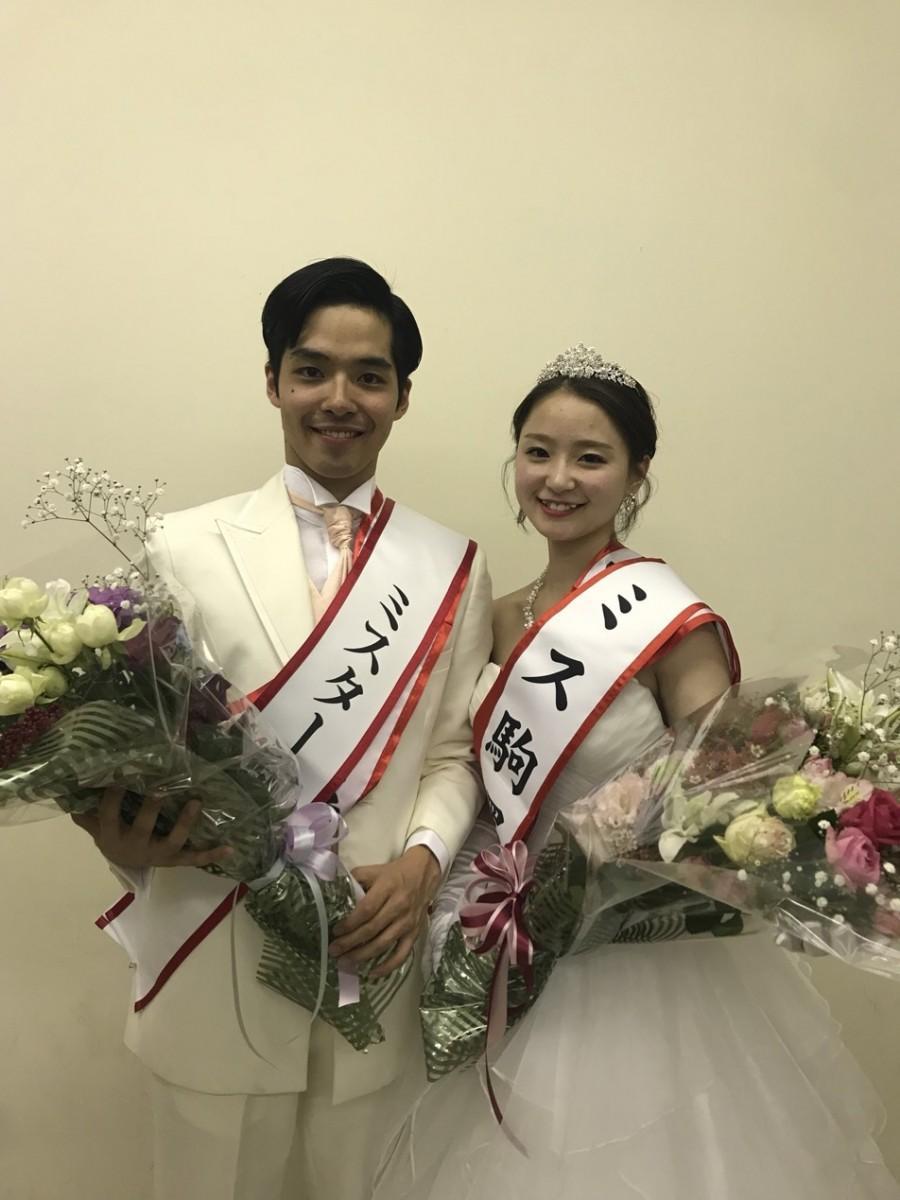 グランプリに輝いた小森茉耶さん(右)、加藤大雅さん(左)