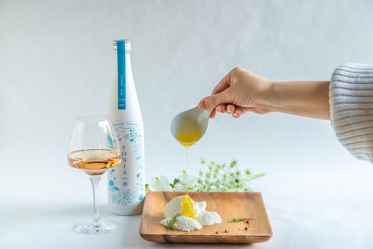 日本酒とチーズのペアリングを楽しむことができる