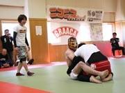大槌町で総合格闘技「グラップリング」大会-修斗世界王者ら27試合
