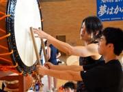 太鼓で村を元気に-プロ和太鼓奏者、岩手・田野畑の中学に新曲提供