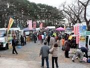 大船渡で「けせん軽トラ市」-宮崎の支援で市民団体が協働開催