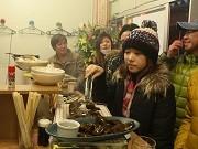 気仙沼で立ち飲み炭火焼き肉居酒屋-全品500円、開店前から話題に
