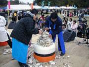 気仙沼の唐桑地区で「カキまつり」開催へ-3年ぶりにカキ殻積み大会も復活