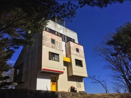 大船渡・越喜来地区に現代アートな貸別荘