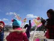 気仙沼で「凧作り」教室 親子写真教室も