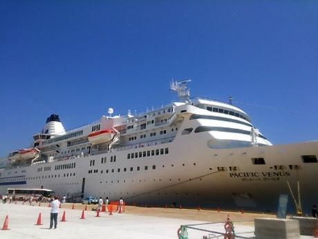 三陸各地に客船「ぱしふぃっくびいなす」寄港 宮古では洋上歓迎も
