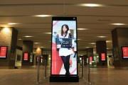 札幌駅JRタワーに「美人時計」登場-美女300人が時報告知