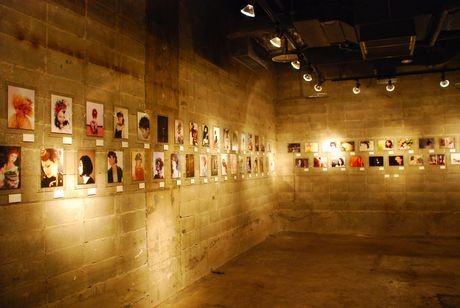 「第2回北海道ヘアデザイナー100人展」会場の様子