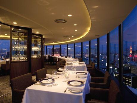 リニューアルオープンしたセンチュリーロイヤルホテル最上階「スカイレストラン ロンド」