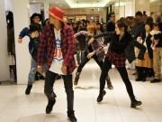 札幌パルコでサプライズイベント-「ハッピー」をBGMにフラッシュモブ