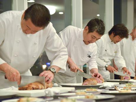 著名シェフ6人が北海道食材のフルコースを提供