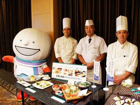 北海道新幹線開業の成功を盛り上げるホテル関係者ら