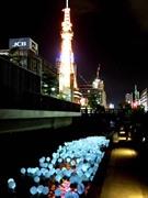 札幌・創成川で5000個の光の風船ファンタジー さっぽろテレビ塔でカウントダウンも