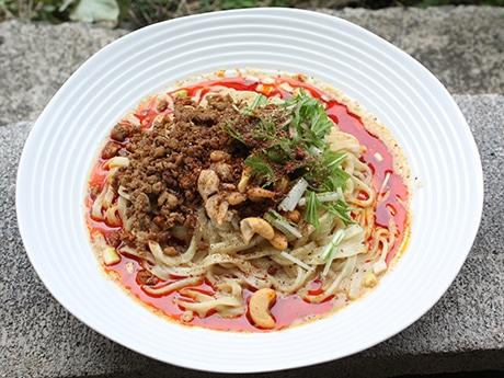 自家製ラー油と北海道産小麦の麺を使用した「担担麺(汁なし)」
