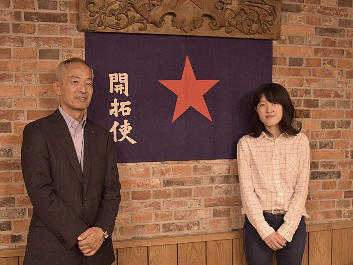 日本のビールへの熱い思いを伝える重富寛さん(左)と重富美空さん(右)