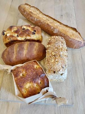 販売されるパン