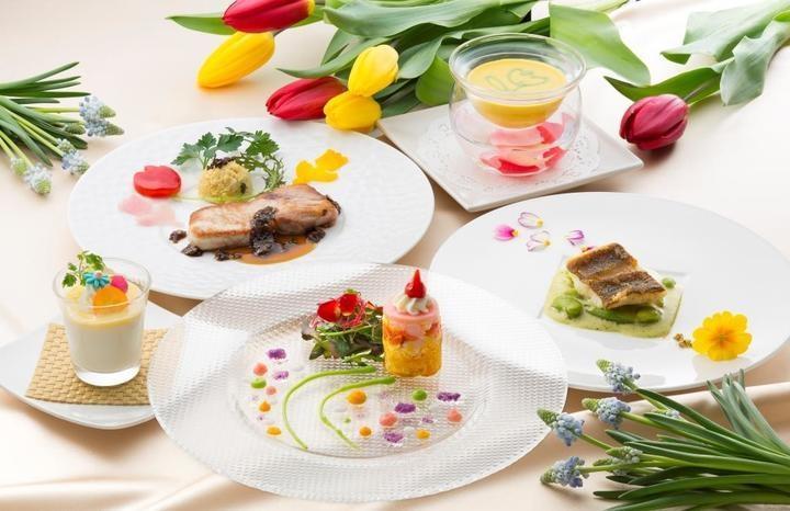 第一弾企画となる「花美食ランチ」のテーマは「ムスカリとチューリップ」