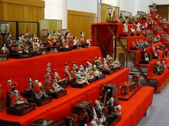 北海道開拓の村で「ひなまつり」 明治から平成までのひな人形23組を
