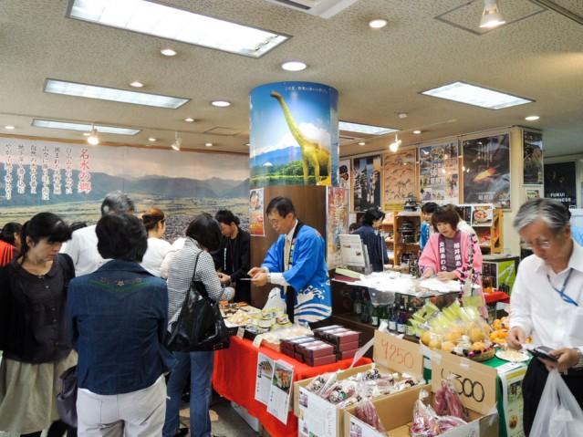 前回の3県連携物産展の様子(写真提供=福井県大阪事務所)