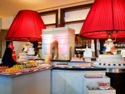 セントレジス大阪で「パリジェンヌ」テーマのデザートビュッフェ