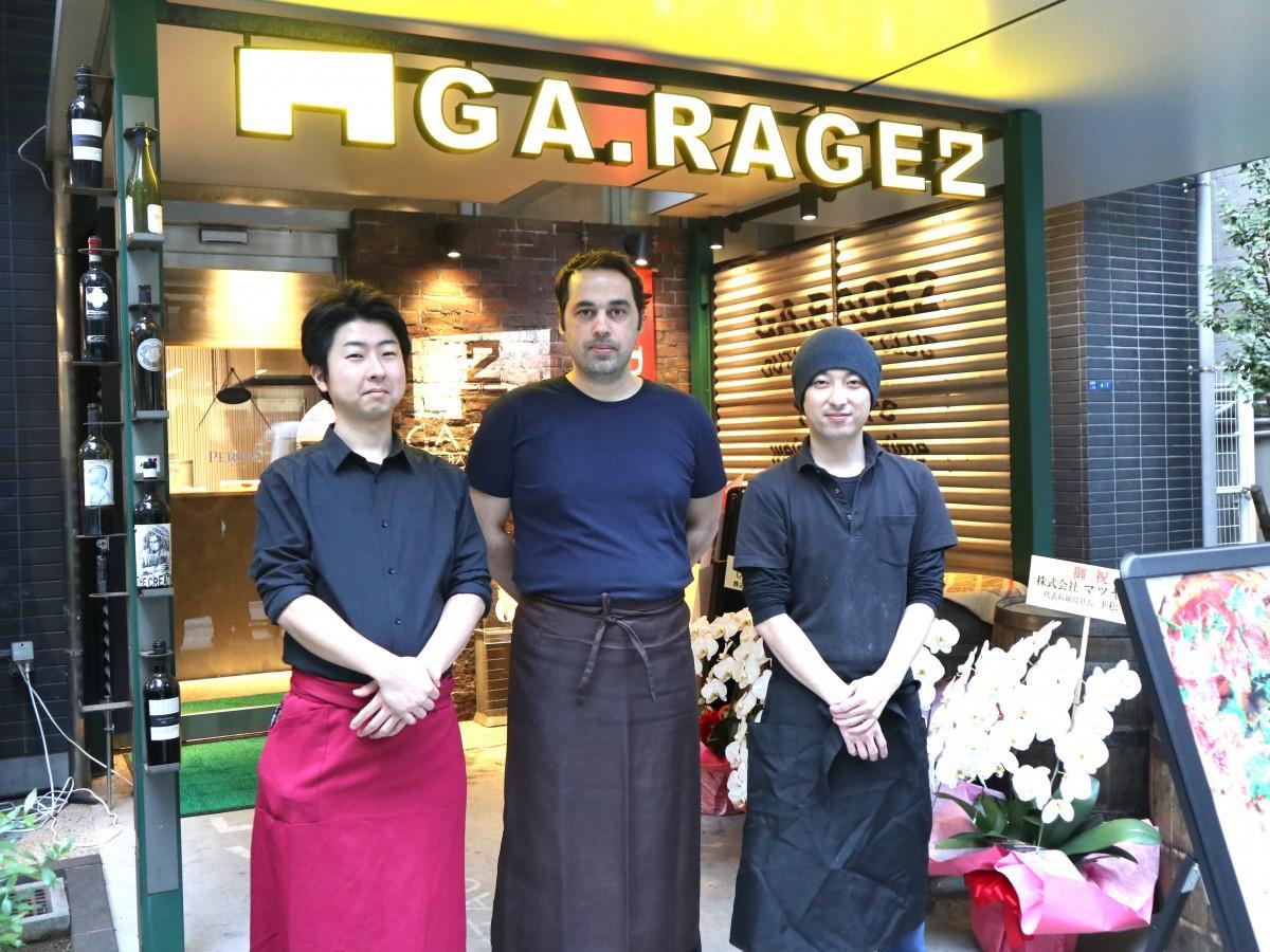 店長の浜名さん(左)