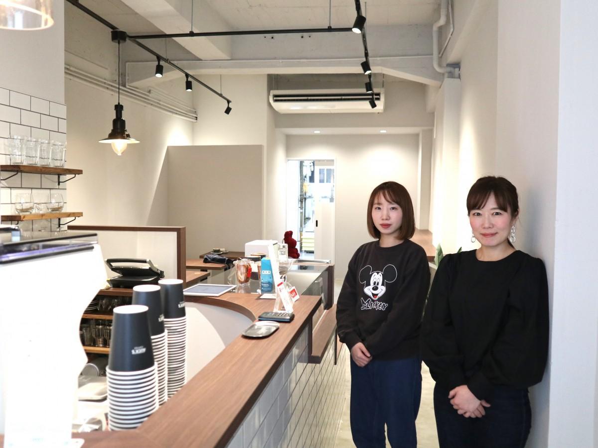 オーナーの三輪さん(右)とスタッフの田中さん