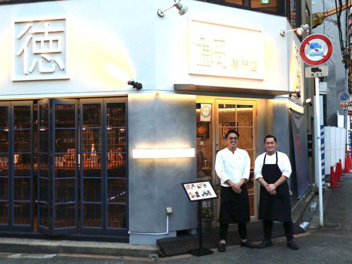 宇佐さん(右)とスタッフの稲尾真吾さん。稲尾さんとは東京・上海でも一緒に仕事をしていたという。