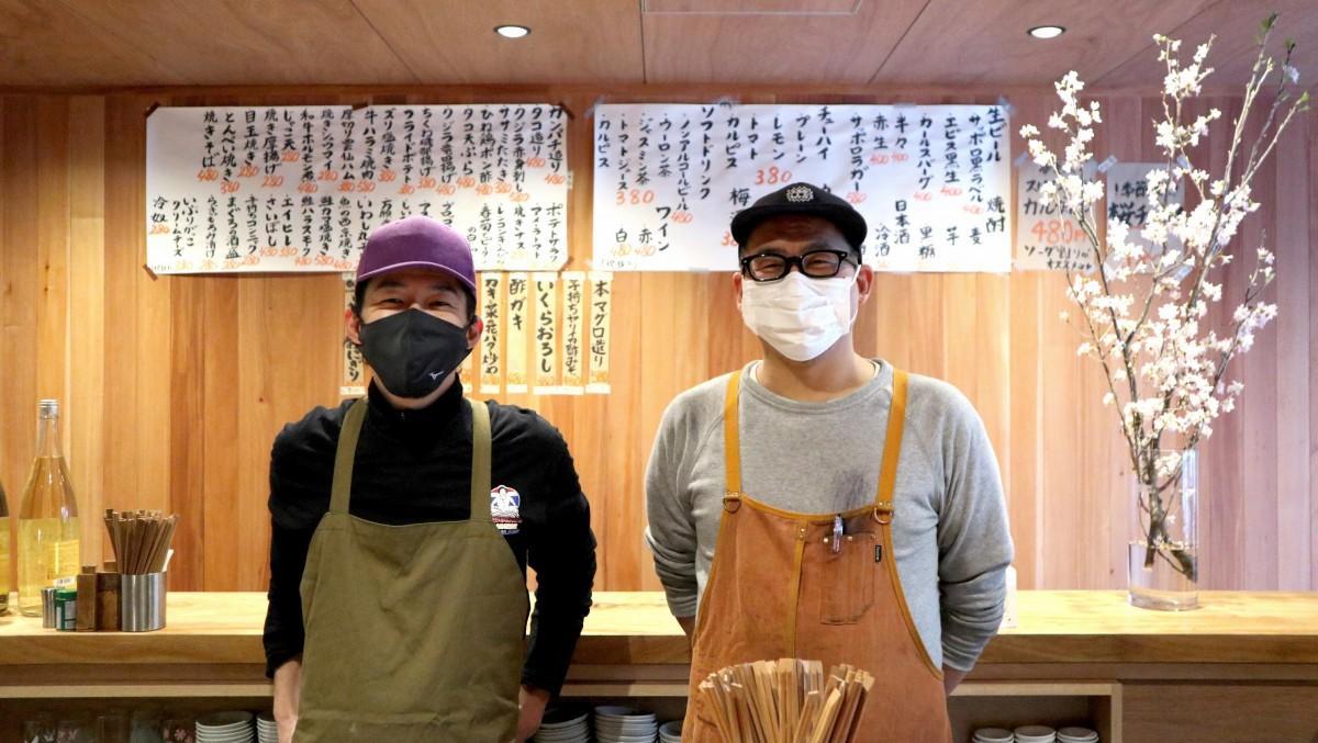 店主のヒロカワさん(右)