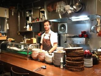 本町のポルトガル料理店10周年 自家製粉のパン、本場エッグタルトも