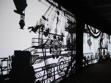 建築家、映像作家、音楽家、科学者の「交差」による実験的なインスタレーション作品「工場と遊園地 Factory and Fantasy」