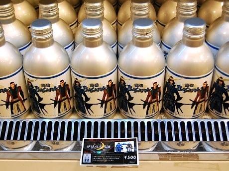 「ミディー」仙台店に並ぶ「戦国BASARA アニメラベルビール」 ©CAPCOM/TEAM BASARA