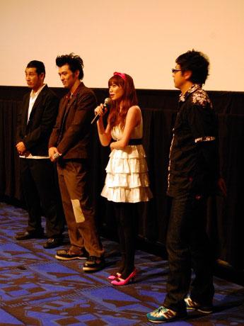 MOVIX仙台で行われた映画「カラスコライダー」舞台あいさつの様子。ここまでは和やかなムードで進んでいたが…