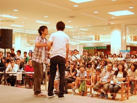 イオン富谷SCで行われた「高校生お笑い甲子園」地区予選。球児に負けない熱戦を繰り広げた